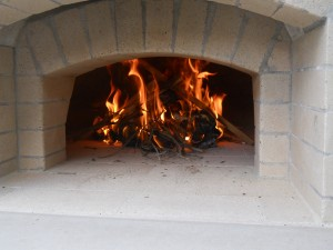 bring-wood-fired-oven-up-to-750