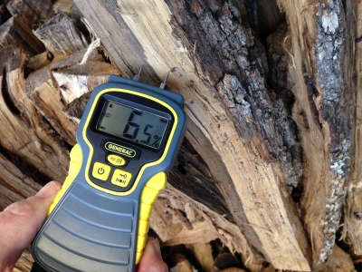 Light an efficient and smoke-free fire with seasoned wood. If you aren't sure about the moisture level in your wood, a moisture meter will measure the wetness of a split log. Seasoned wood should have a moisture level under 20%.