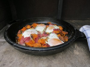Cook breakfast in your wood-burning oven. Cook for three days from a single fire.