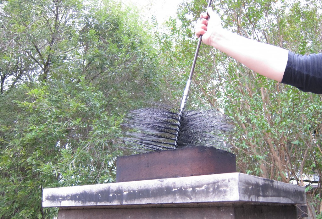 chimney-brush-cleaning-pizza-oven_1600