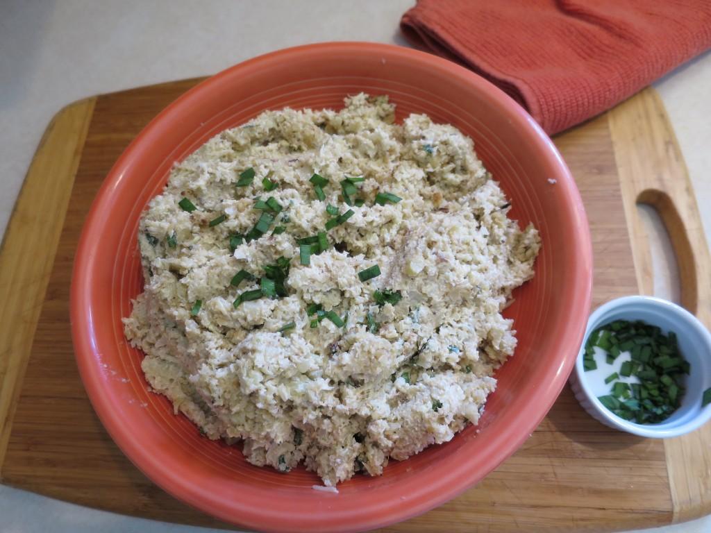 sour cream and roasted garlic mashed cauliflower