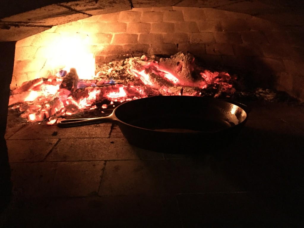 wood-fired-oven, pizza oven, ideal for cast iron cookware