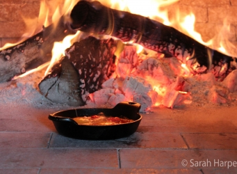 wood-fired oven cast iron cookware pizza oven